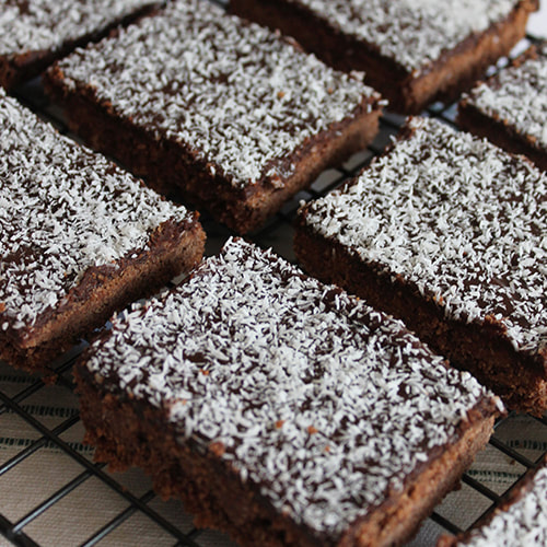 Old-Fashioned Chocolate Slice